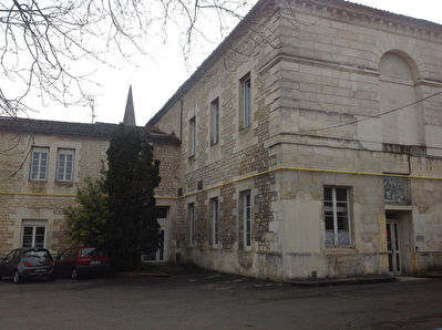 Group of 19 Apartments, Angouleme center-town
