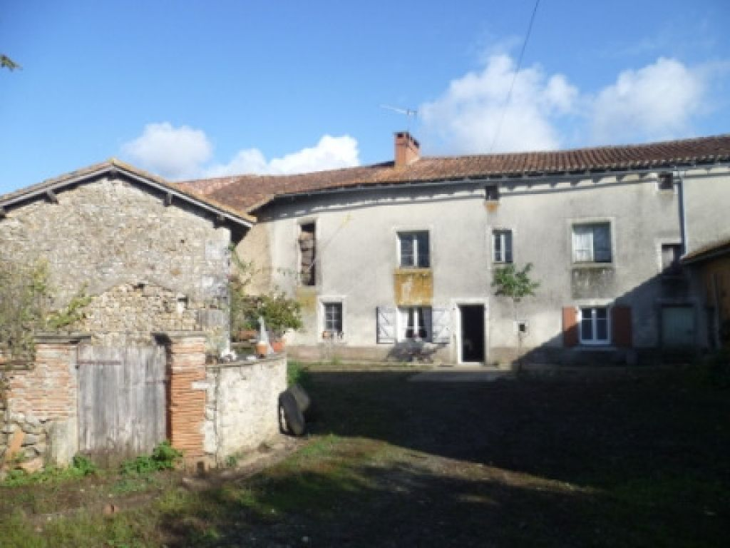 EC0860al Vast 17thCentury House, Cottage & Barn to Renovate