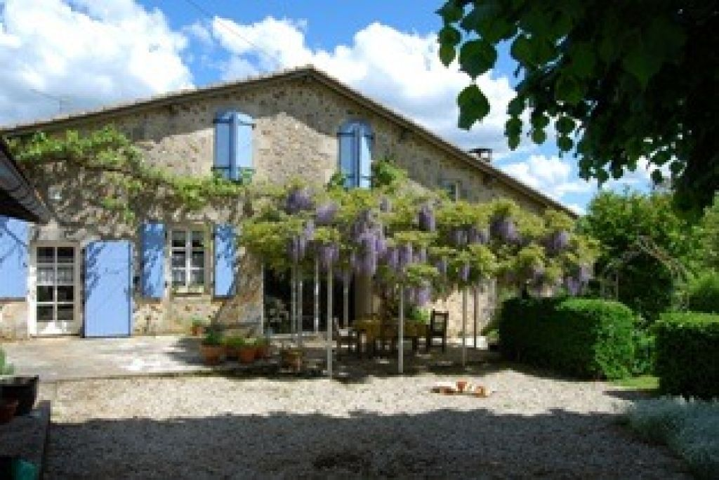 EC0597LC   Pretty 4 bed stone house, quiet location, enclosed gardens with separate barn/garage *ideal for gite*