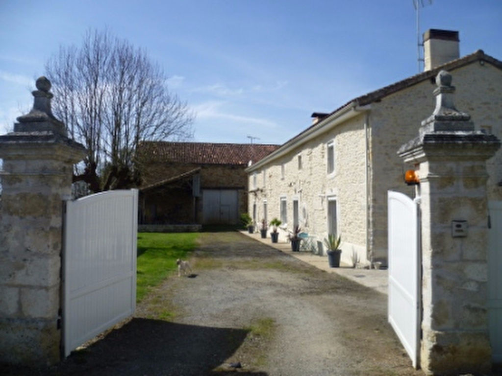 EC0893al Spacious Renovated Stone House; Gym & Jacuzzi; Large Barn; 1.5 Acres; Lovely Views; Building Plot.