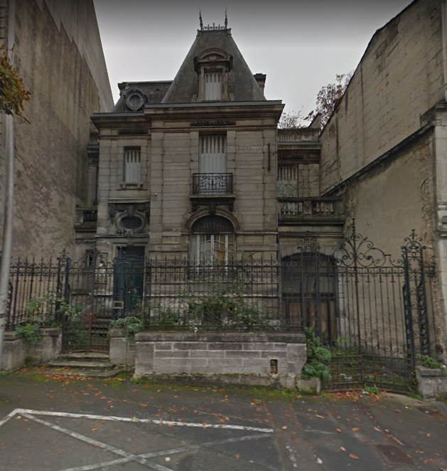 House of character to renovate, downtown Angouleme